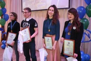 Победители перво йсекции на сцене ( 2)